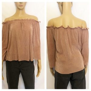 J.O.A. Tops - J.O.A off shoulder shirt